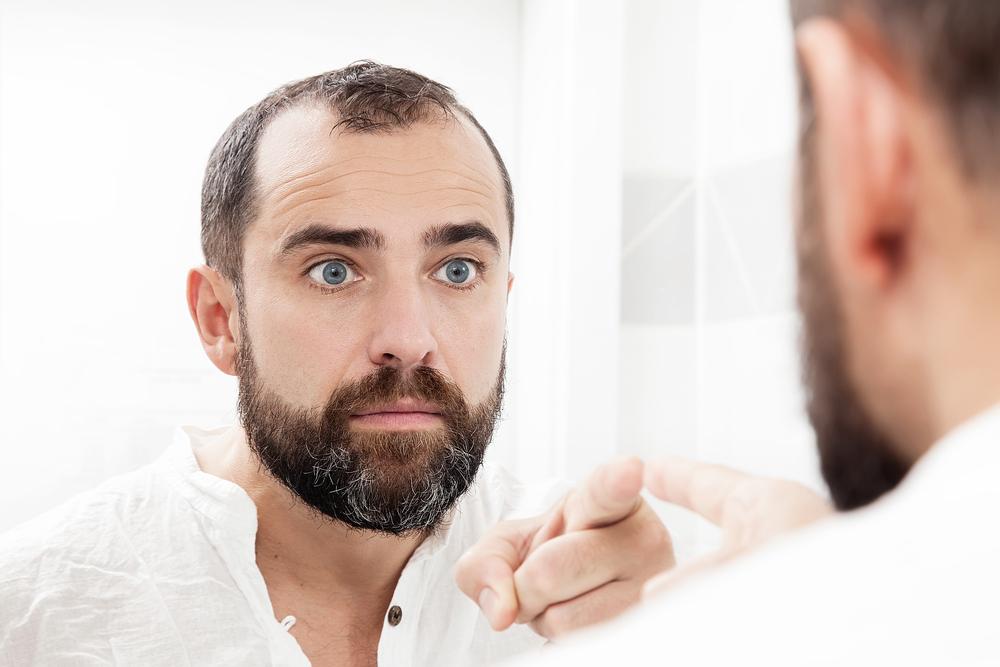 ¿Cómo Elegir a un Cirujano de Implante Capilar?